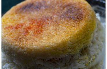 Persischer Reis mit Safran und leckerer Kruste